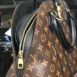 Louis Vuitton Bags - Alma PM Louis Vitton Crossbody